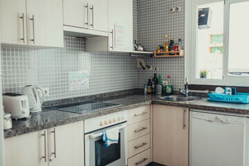 Oasis-Malaga-Posts-Facilities_0004_Kitchen